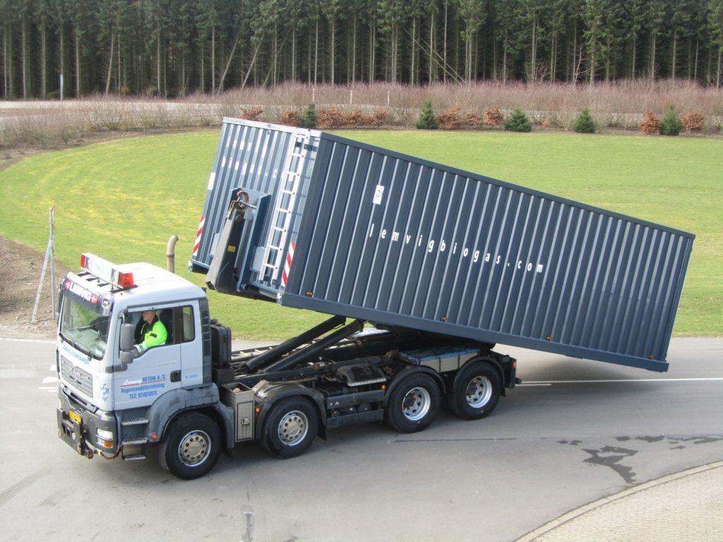 71 m3 container Vandtæt Lille tophængslet bagklap. L=895 cm., B=330 cm., H=278 cm. Vægt tom = 6.500 kg. nr. 28
