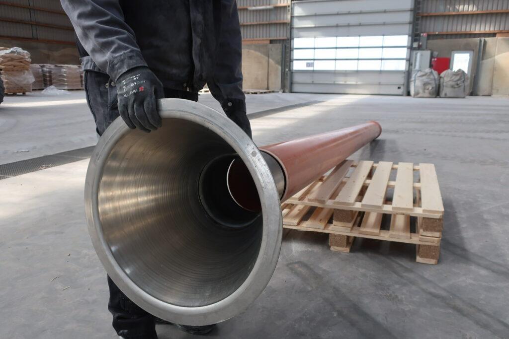 DN 250 rustfast sugetragt til gylle monteres i DN 250 PVC rør